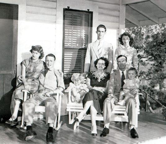 KELLY FAMILY PHOTO