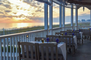 Val Dine Beachwalk Cafe